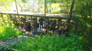 uczniowie na painballu