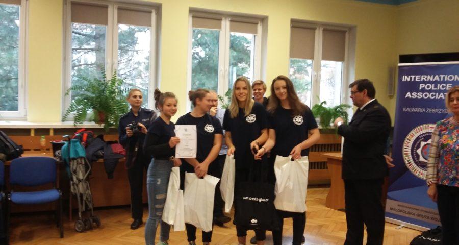 uczennice odebrały nagrody w konkursie